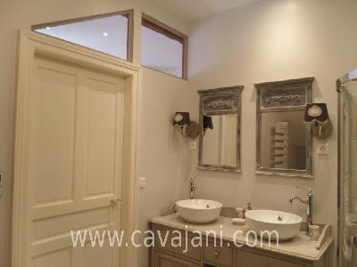 Salle de bain applique murale salle de bain retro 1000 for Comment faire une salle de bain